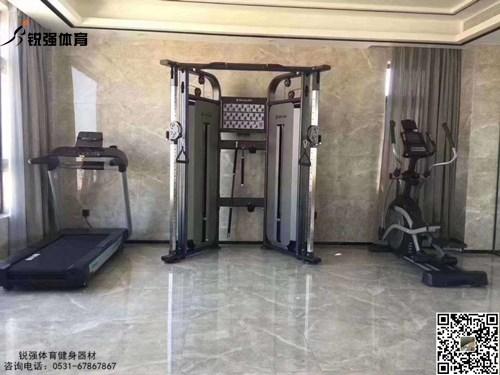 烟台某海景房的私家健身房