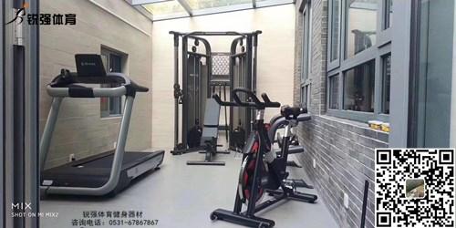 淄博某别墅区阳台的私家健身房