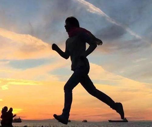 每天坚持跑步给我们的身体哪些方面的影响