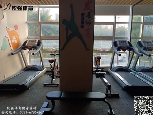 济南某银行职工健身房