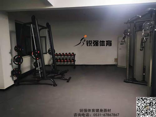 济南长清在地下室建立私家健身房