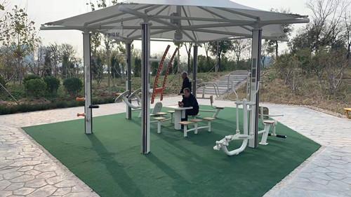 滨州市某小区配置的健身驿站
