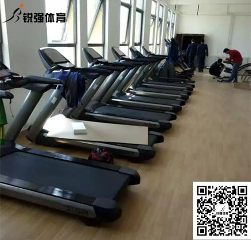 济南某部队健身房