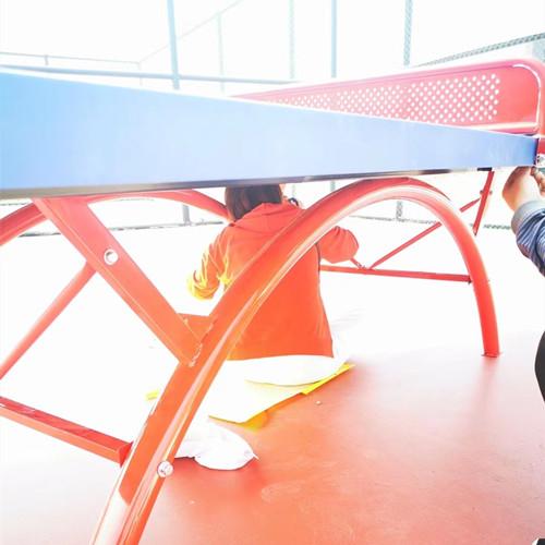安装乒乓球桌